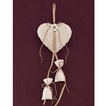 Μπομπονιέρα Γάμου Καρδιά Φουσκωτή σε Γήινα Χρώματα με Κρεμαστά Πουγκάκια