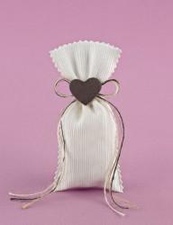 Μπομπονιέρα Γάμου Πουγκάκι Εκρού με Καρδούλα