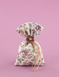 Μπομπονιέρα Γάμου Πουγκί Φλοράλ Σάπιο Μήλο με Πλεκτό Λουλουδάκι