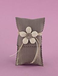 Μπομπονιέρα Γάμου Φάκελος Γκρο Λαδί Κάθετος με Λουλούδι