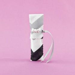 Μπομπονιέρα Γάμου Μακρόστενος Φάκελος με Διακοσμητική Ακρυλική Καρδιά