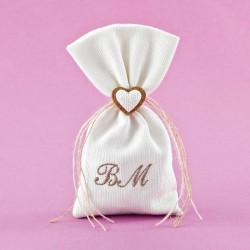 Μπομπονιέρα Γάμου Πουγκί Πικέ με Ακρυλική Καρδιά Και Μονογράμματα