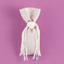 Πουγκί με Δαντέλα και Καρδιά Εκρού Διακοσμητική για Μπομπονιέρα Γάμου