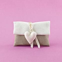 Μπομπονιέρα Γάμου Δίχρωμος Φάκελος με Ακρυλική Καρδιά