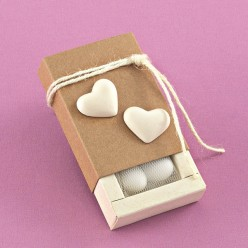 Κουτάκι Κράφτ με Ακρυλικές Αρωματικές Καρδιές για Μπομπονιέρα Γάμου