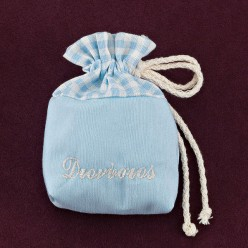 Σιέλ Πουγκί-Τσουβαλάκι με Κεντημένο Όνομα για Μπομπονιέρα Βάπτισης