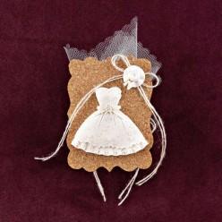 Μπομπονιέρα Βάπτισης Κορνίζα από Φελλό με Ακρυλικό Φορεματάκι