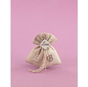 Μπομπονιέρα Γάμου Πουγκάκι Διπλό Εκρού-Άμμου με Αρχικά και Κέντημα LOVE