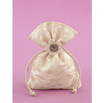Μπομπονιέρα Γάμου Πουγκί Σατέν-Εκρού Λέζα με Πλεκτό Λουλουδάκι Άμμου